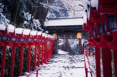 冬の京都において最高のロケーションを誇るであろう、積雪パワーの 貴船 雪化粧 に行ってきた話 - ken's blog