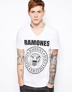 http://m.asos.com/mt/www.asos.com/es/Camiseta-con-estampado-de-los-Ramones-de-ASOS/736mt/?iid=3724723&SearchQuery=ramones&Rf-700=1001&sh=0&pge=0&pgesize=50&sort=-1&clr=White&mporgp=L0FTT1MvQVNPUy1ULVNoaXJ0LVdpdGgtUmFtb25lcy1QcmludC9Qcm9kLw..