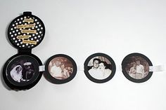 Una manualidad para reciclar un envase de maquillaje y convertirlo en un bonito álbum de fotos de bolsillo #scrapbooking #reciclar #DIY
