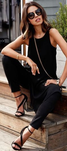 Take a look at the best trendy business casual in the photos below and get ideas for your work outfits! Love a cute jacket like this and have trouble finding trendy ones that aren't too short on my… Continue Reading → Casual Chic, Moda Casual, Casual Tops, Look Fashion, Womens Fashion, Fashion Trends, Modern Fashion, Fashion 2015, Fashion Black