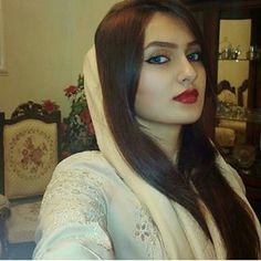 Plus size Cropped Ruffled Shawl Shrug Bolero Black Beautiful Muslim Women, Beautiful Girl Image, Beautiful Hijab, Beautiful Indian Actress, Beautiful Eyes, Beauty Full Girl, Beauty Women, Persian Beauties, Muslim Beauty