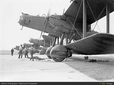 All sizes | Handley Page HP.50 Heyford, via Flickr.