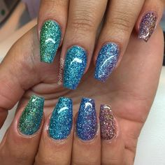410 ways to putting glitter for nail polish idea page 21 Pretty Nail Colors, Pretty Nails, Cake Order Forms, Medium Bob Hairstyles, Hot Nails, Turquoise Pendant, Nail Inspo, Glitter Nails, How To Introduce Yourself