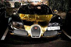 Gold buggati veyron saudi owned #bugatti #veyron #bug #goldcar #shdxb7 #500px#carphotography #automotivephotography #automobilephotography #luxury #luxuriouscars #luxuryride