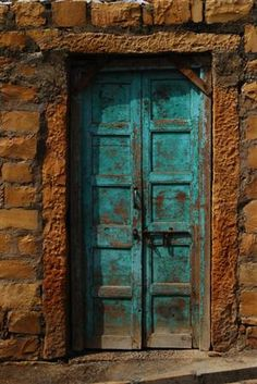 """Jaisalmer, India (I just have a thing for """"rustic/old doors ...)"""