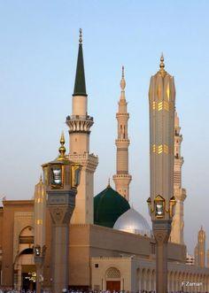 Madinah Al-Masjid Al-Nabawi Masjid Al Nabawi, Masjid Al Haram, Mecca Masjid, Islamic Images, Islamic Art, Islamic Pictures, Medina Mosque, Mosque Architecture, Architecture Design
