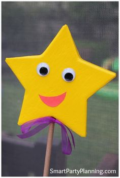 Dora Star tutorial perfect for a Dora theme party #Dora #Craft