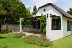 Daisy Cottage - Clanwilliam - Down a quiet country lane at the foot of the Cederberg Mountain Range, Daisy Cottage lies in the little hamlet known as Clanwilliam.  Surrounded by a lush green garden, this beautifully restored cottage ... #weekendgetaways #cederberg #southafrica