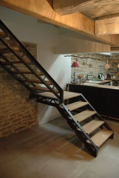 29 Basement Stairs Ideas - Home Decorating Inspiration Stair Railing Design, Staircase Railings, Modern Staircase, Stairways, Staircase Ideas, Railing Ideas, Hand Railing, Grand Staircase, Basement Stairs