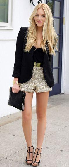 FASHION MARKET: Golden Shorts