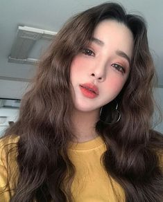 Find images and videos about ulzzang, asian and girl on We Heart It - the app to get lost in what you love. Uzzlang Girl, Girl Face, Korean Beauty, Asian Beauty, Korean Makeup, Yoon Ara, Close Up Faces, Kpop Hair, Korean Face
