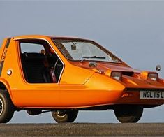 """The Bond Bug is a British microcar that would have necessitated the invention of the word """"quirky"""", if it hadn't already existed. Bugatti, Lamborghini, Ferrari, Porsche, Bond Cars, Microcar, Weird Cars, Strange Cars, Cute Cars"""
