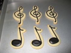 Music Notes (Little Einstein Birthday Party Theme) - NFSC recipe with Antonia74's RI. Made to go with the Little Einstein's Rocket Cake.