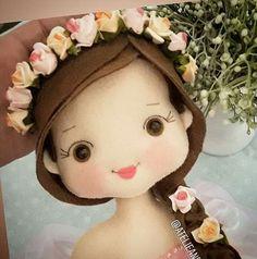 Crochet Toys Patterns, Stuffed Toys Patterns, Felt Dolls, Paper Dolls, Doll Face Paint, Chicken Crafts, Baby Mobile, Felt Fairy, Cat Doll