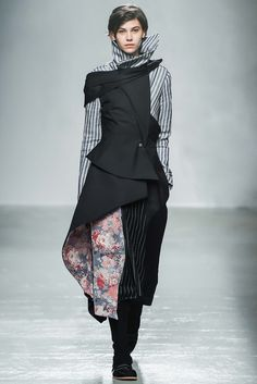 Aganovich | Fall 2015 Ready-to-Wear Collection | Style.com