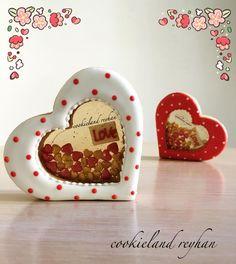 Image may contain: food Fancy Cookies, Heart Cookies, Iced Cookies, Cute Cookies, Sugar Cookies, Fondant Cookies, Biscuit Cookies, Valentines Sweets, Valentines Day Cookies