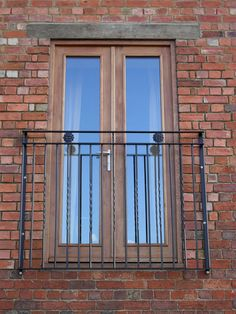French doors onto Juliet balcony, for our master bedroom French Balcony, French Windows, French Doors, Juliette Balcony, Balcony Railing Design, Balcony Lighting, Iron Balcony, Apartment Balconies, Patio Doors