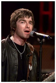Noel Gallagher Young, Liam And Noel, Playing Guitar, I Love Him, Rock Bands, Oasis, The Man, My Idol, Concert
