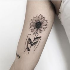 40 simple sunflower tattoo ideas that will make you mentally stronger - million . - 40 simple sunflower tattoo ideas that will make you mentally stronger – millions of graces - Sunflower Foot Tattoos, Flower Spine Tattoos, Sunflower Tattoo Sleeve, Sunflower Tattoo Shoulder, Sunflower Tattoo Design, Forearm Tattoos, Body Art Tattoos, Tattoo Flowers, Tattoo Ideas Flower