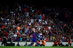 Lionel Messi of FC Barcelona applauds to the crowd as he leaves the pitch during…