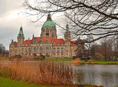 Hanover, New Town Hall. Picture taken by experience-germany.com