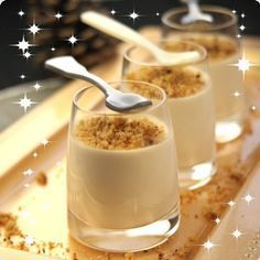 Salty panacotta with foie gras and spicy bread crunch - Miam. Foie Gras, Xmas Food, Christmas Cooking, Tapas, Fingers Food, Gourmet Recipes, Cooking Recipes, Vegan Coleslaw, Appetisers
