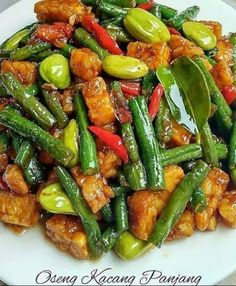 If you are someone who likes vegetarian food, then you need to try a recipe that others make. Because the recipes that others make may . Vegetable Recipes, Vegetarian Recipes, Cooking Recipes, Healthy Recipes, Mie Goreng, Malay Food, Healthy Yogurt, Asian Recipes, Ethnic Recipes