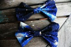 Galaxy Printed Hair Bow by BiancaParisTaylor from BiancaParisTaylor on Etsy. Saved to My Wishlist. Latest Hairstyles, Cool Hairstyles, Wedding Accessories, Hair Accessories, Galaxy Fabric, Galaxy Wedding, Galaxy Hair, Galaxy Print, Blue Ties