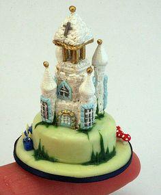 mini fantasy fairytale castle cake