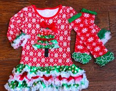 Baby Snowflake Christmas Dress with Ruffle Skirt by babyOclothing Girls Christmas Outfits, Ruffle Skirt, Snowflakes, Christmas Sweaters, Girl Outfits, Cute, Skirts, Baby, Handmade
