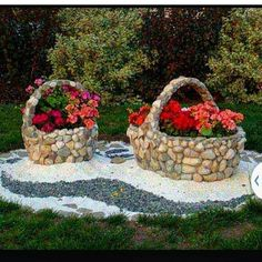 16 Inspirational DIY Garden Projects With Stone & Rocks - Diy Garden Decor İdeas Diy Garden Projects, Diy Garden Decor, Garden Crafts, Garden Art, Garden Decorations, Flower Decoration, Garden Kids, Easy Garden, Dream Garden