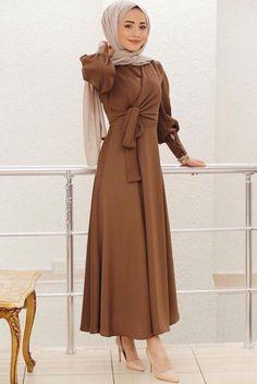 Hijab Gown, Hijab Dress Party, Hijab Style Dress, Hijab Chic, Hijab Fashion Summer, Abaya Fashion, Muslim Fashion, Modest Fashion, Fashion Dresses