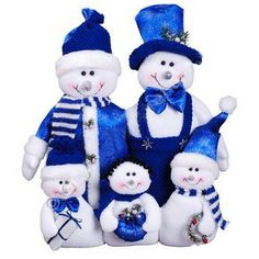 Snowman Family in Blue Size: Whimsical snowman family all dressed up in blue. Mom, Dad and three little ones. Christmas China, White Christmas Trees, Christmas Mantels, Blue Christmas, Christmas Snowman, Beautiful Christmas, Winter Christmas, Christmas Crafts, Shabby Chic Christmas