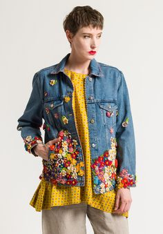 Péro Limited Edition Denim Jacket in Crocheted Flowers Dark Hand Embroidery Dress, Diy Vetement, Altering Clothes, Embellished Jeans, Denim Coat, Embroidered Jacket, Santa Fe, Denim Fashion, Crocheted Flowers