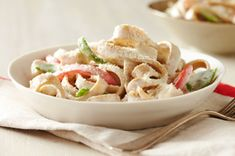 Made with whole wheat fettuccine, snow peas and a homemade creamy Alfredo sauce, this dish is a delicious way to use turkey leftovers! Vegetable Alfredo Recipe, Veggie Alfredo, Kraft Recipes, Sauce Alfredo, Fettuccine Alfredo, Easy Cooking, Cooking Recipes, Low Fat Cream Cheese, Leftovers Recipes