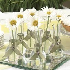 Resultado de imagen para PINTEREST  arreglos florales para mesas con sillones