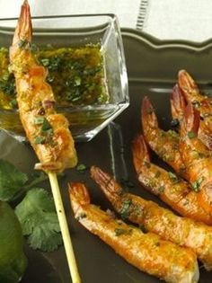 Grilled shrimp with ginger Barbecue Recipes, Pork Recipes, Fish Recipes, Seafood Recipes, Bbq Skewers, Smoked Ribs, Grilled Shrimp, Cooking On The Grill, Pork Ribs