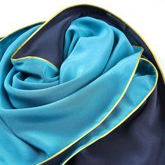 Dreieckschal Moitié-Carré blau-türkis | Bestswiss.ch Accessories, Fashion, Triangles, Scarves, Blue, Moda, Fashion Styles, Fasion, Ornament