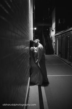 Kisses in the alley - Alisha Rudd Photography - www.alisharuddphotography.com - #kiss #alley #wedding #couple #nightkiss