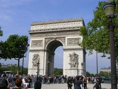 Paris is a great city - regardless of whether or not you like museums and art galleries - even when you're on a budget. Check out our website for what to see and do, without breaking the bank: doubtfultraveller.com