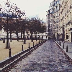 place dauphine. one of my favorite spots in the world (paris).