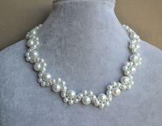 blanco collar collar de perlas de cristal flor por glasspearlstore