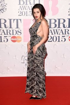 Pin for Later: Les Brit Awards Ont Été Plus Glamour Que Jamais Charli XCX