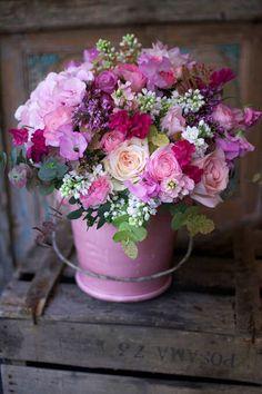 Amar é aprender... Que as coisas boas cheguem até o fundo de nossa alma. Que o sorriso se materialize diante dos nossos próprios olhos sem...