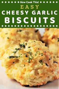 Love those Cheddar Bay Biscuits at Red Lobster? These Easy Cheesy Garlic Biscuits are a homemade version that take less than 30 minutes to make! Garlic Cheddar Biscuits, Buttery Biscuits, Easy Cheddar Biscuit Recipe, Easy Homemade Biscuits, Cheesy Garlic Bread, Drop Biscuits, Easy Homemade Recipes, Homemade Breads, Different Recipes