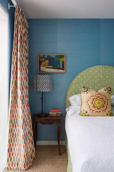 You have a nice living room but no room? And if you partition your living room to create this room you dream? How to create two separate spaces in a room without heavy work? Interior Design Career, Australian Interior Design, Beautiful Bedrooms, Beautiful Interiors, Childrens Bedroom Wallpaper, Home Bedroom, Bedroom Decor, Bedroom Sets, Bedroom Furniture