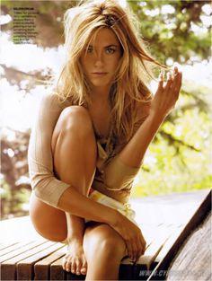 Jennifer Aniston-love the pose