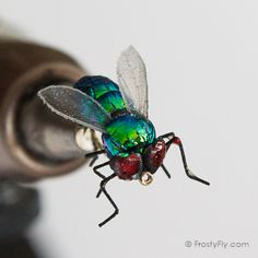 Realistic Green Bottle Fly that looks alive! It has the shape and the looks of the real insect. Highly floatable and durable. Comes in hook & hook Fly Tying Vises, Fly Tying Desk, Fly Tying Tools, Fly Tying Materials, Walleye Fishing, Fishing Lures, Fishing Hole, Carp Fishing, Ice Fishing