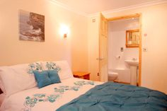Estuary View, Hayle - SLEEPS 2 - 7 nights from £244  Modern and bright, this apartment offers great access to the whole of West Cornwall and is within walking distance of 3 miles of golden sand as well as the Hayle estuary.  http://www.cornishcottageholidays.co.uk/html/property_detail.php?pid=464