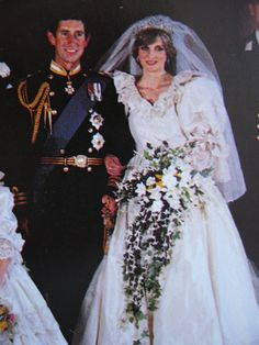 July 29 1981 Prince Charles Marries Lady Diana Spencer In Saint Paul S Cathedral Cathedralprincess Weddingstorybook